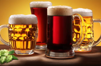 Two-pints-with-lager-and-two-with-black-beer_1920x1080